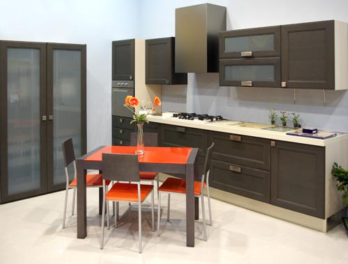 Consigli sui pavimenti e le piastrelle della cucina - Cosa mettere al posto delle piastrelle in cucina ...