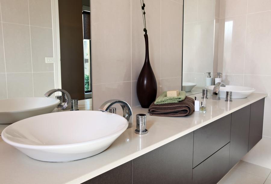 Bagni moderni suggerimenti ed esempi - Immagini di bagni moderni piccoli ...