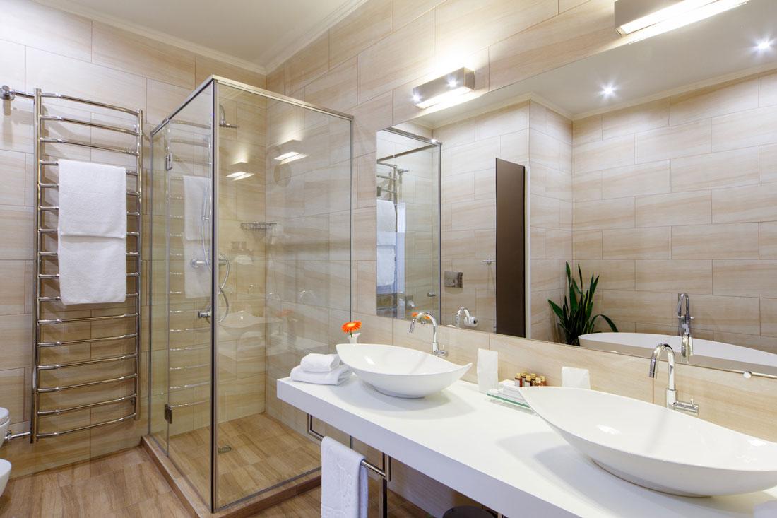 Ristrutturazioni 10 idee originali per il bagno - Piastrelle grigie bagno ...