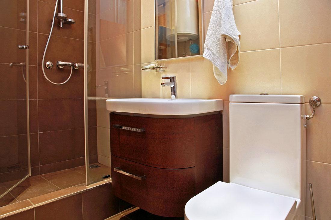 Idee e costi per ristrutturare un bagno piccolo - Idee per piastrellare un bagno ...