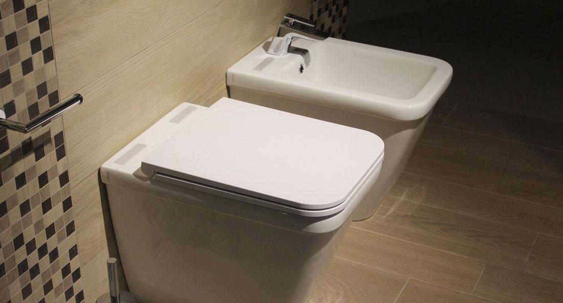 Rifare il bagno ma possibile spostare il wc - Rifare il bagno del camper ...