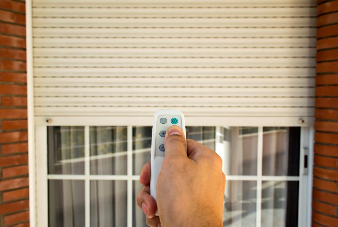 Finestre Con Veneziane Incorporate Prezzi tapparelle elettriche con telecomando e wifi - prezzi e