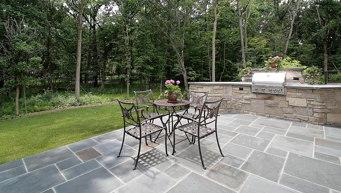 Pavimenti per esterni prezzi tipologie e consigli - Pavimentazione da esterno ...