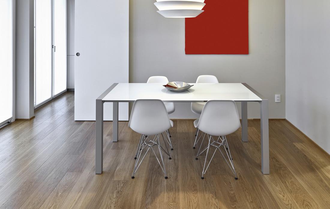 Piastrelle e pavimenti moderni senza fughe prezzi e - Piastrelle da incollare su pavimento esistente ...