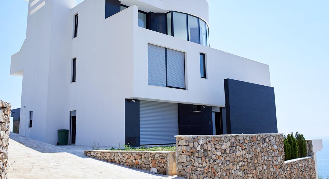 Pavimento per esterno in cemento dal carrabile al lisciato allo stampato - Copertine per muretti esterno in cemento prezzi ...