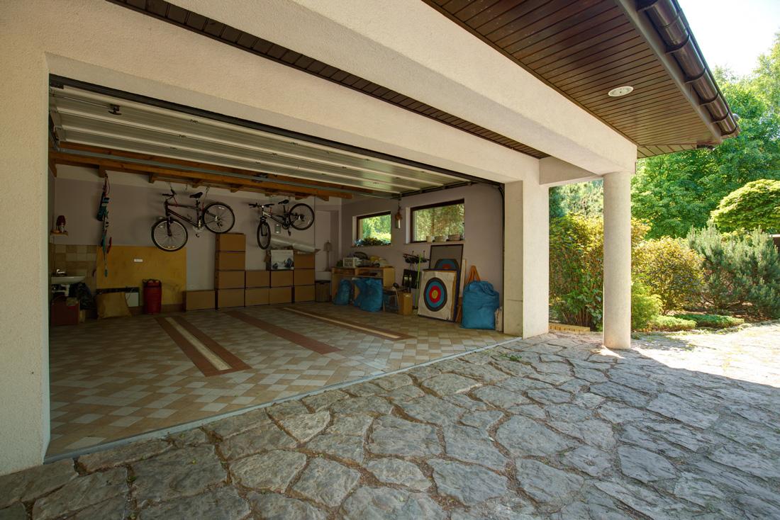 Oltre Il Soffitto Di Vetro : Isolamento termico del garage: prezzi consigli e metodi tirichiamo.it