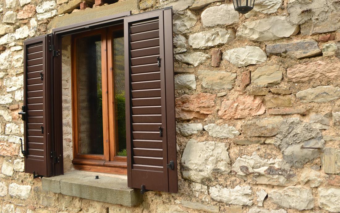 Persiane in alluminio prezzi costi e opinioni for Infissi balcone