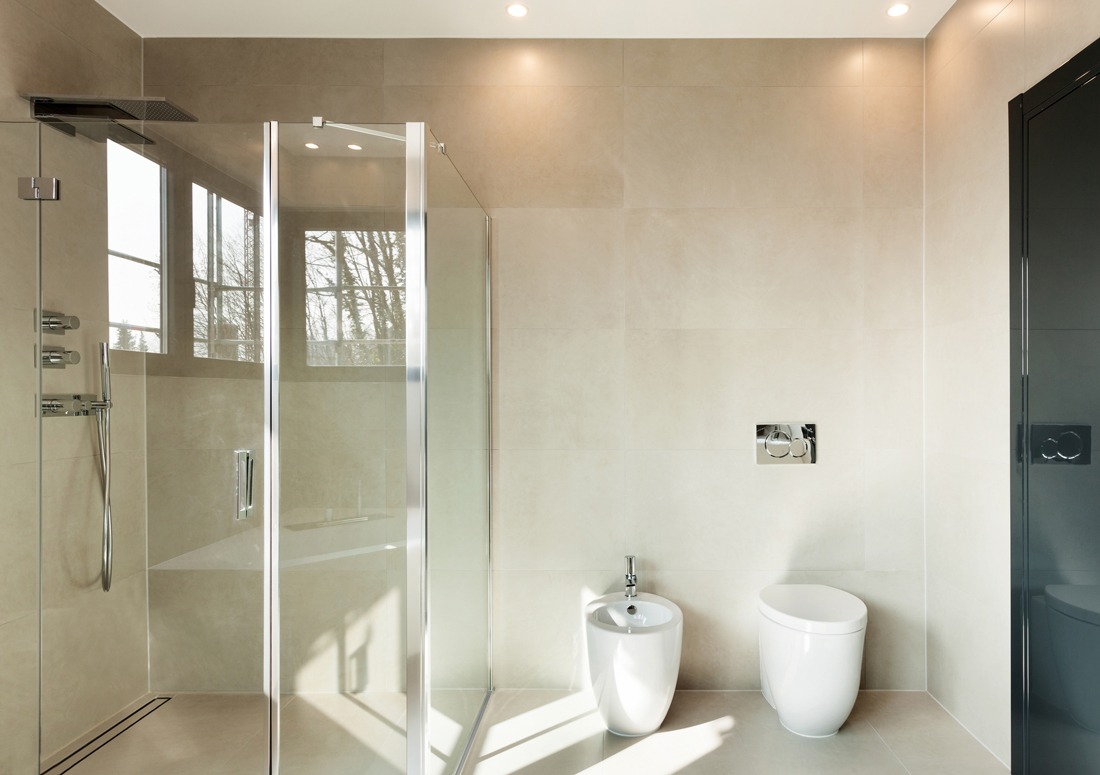 Box doccia angolare quanto costa acquistarlo e posarlo - Costo sostituzione piatto doccia ...