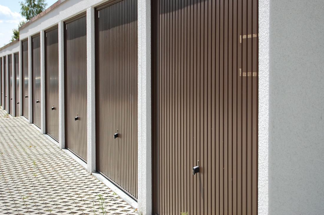 Porte Per Garage A Due Ante Prezzi. Trendy A Polveri Adatte Anche ...