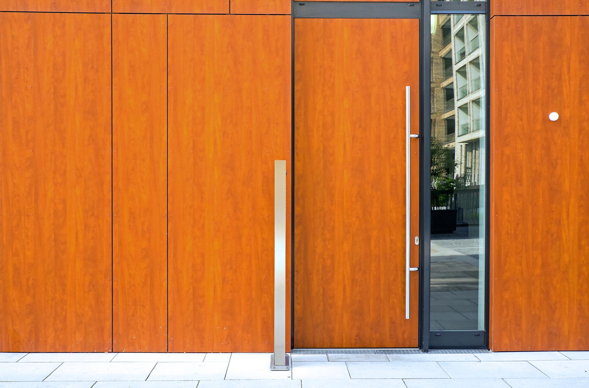 Porte d 39 ingresso in vetro alluminio legno e pvc prezzi - Porte in alluminio per esterni prezzi ...