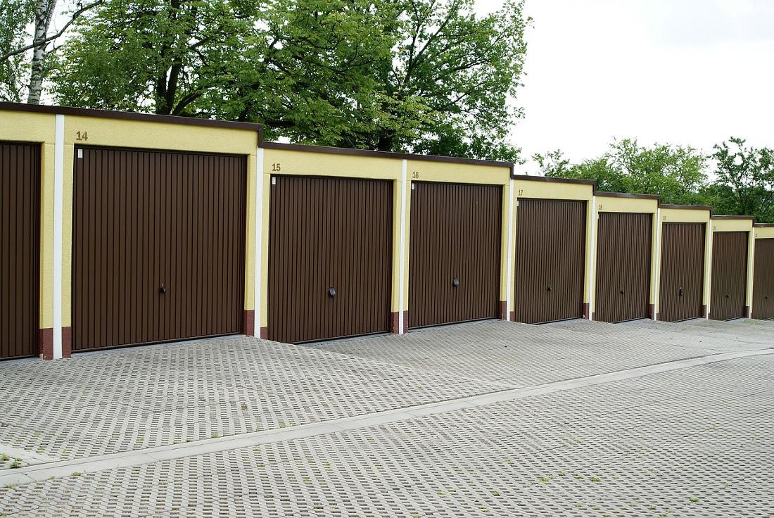 Serrande motorizzate per prezzi serrande per garage - Serratura porta basculante garage ...