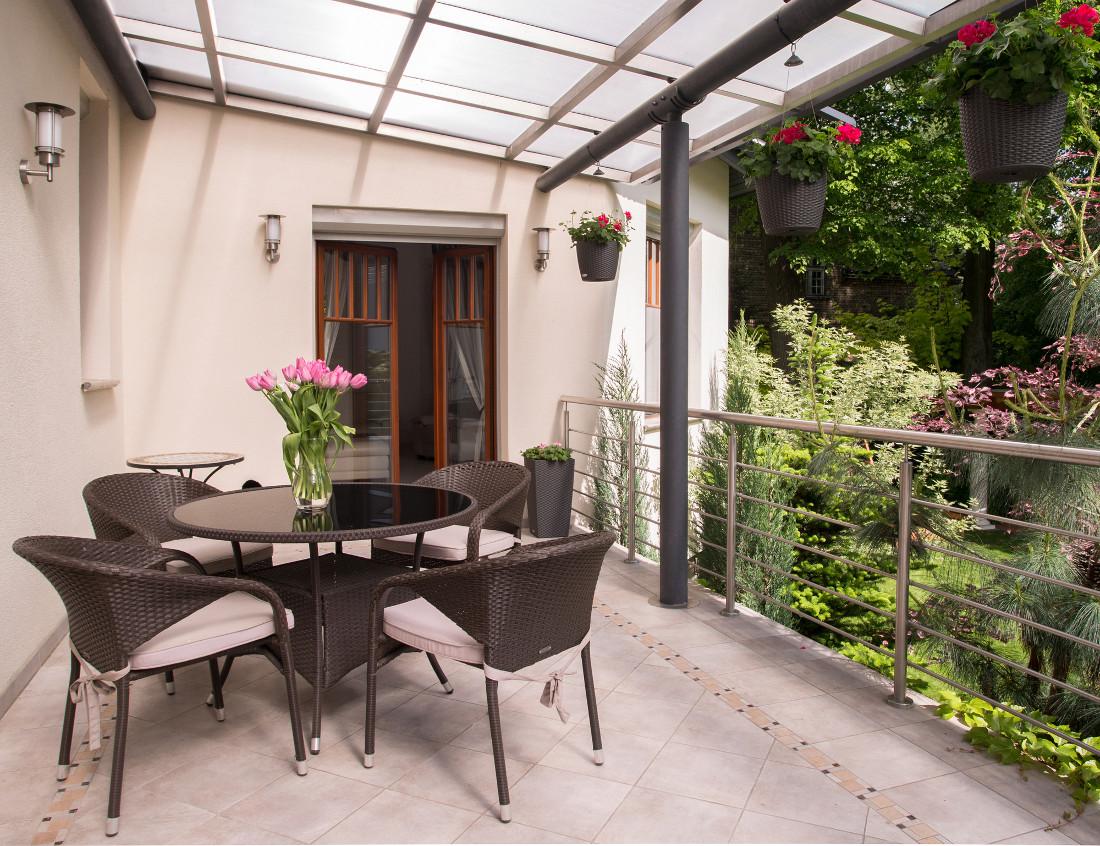 Coprire Terrazzo Con Veranda la veranda sul balcone in condominio - prezzi e permessi