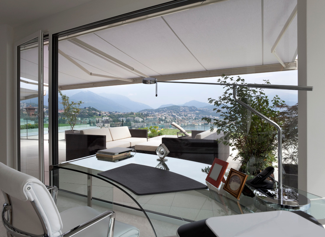 tende da sole a bracci fisse e retrattili prezzi e modelli. Black Bedroom Furniture Sets. Home Design Ideas