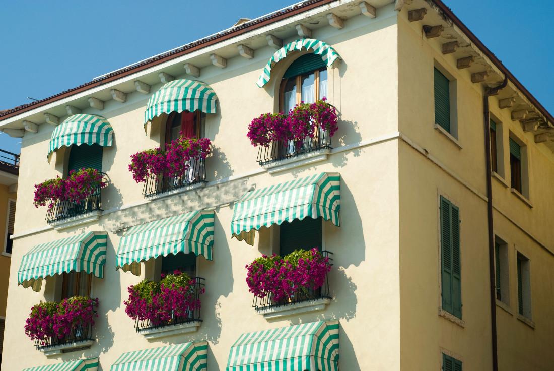 Tende da sole per balconi a rullo e fai da te prezzi e consigli - Tenda da sole ikea ...