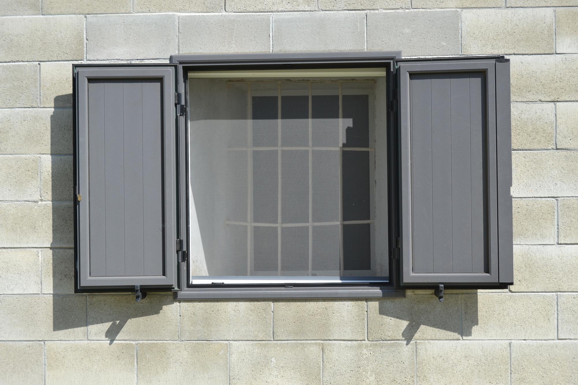 Zanzariere a calamita per grate porte e finestre prezzi - Prezzi grate per finestre ...