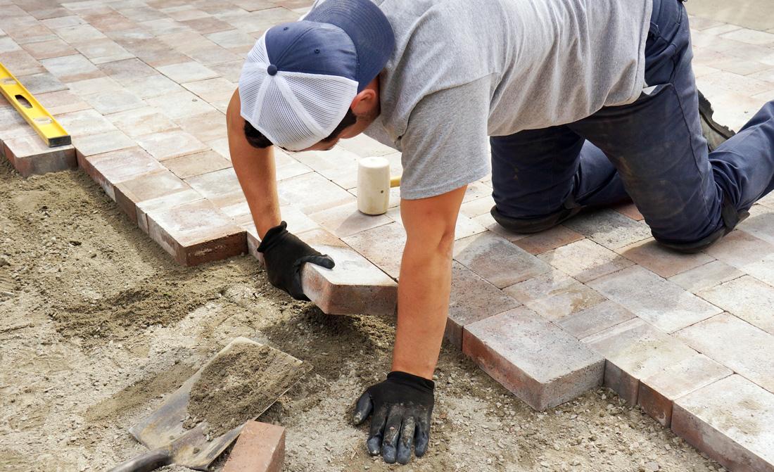 Piastrelle e pavimenti autobloccanti per esterno prezzi - Rimuovere cemento da piastrelle ...