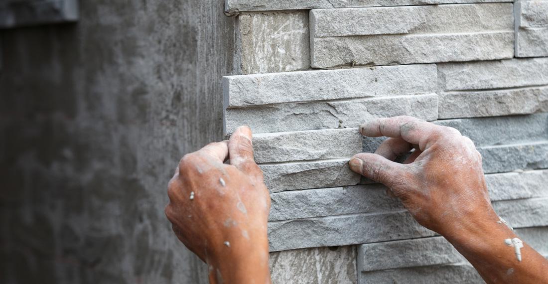 Facciate in pietra prezzi tipologie e consigli for Facciate di case in mattoni e pietra
