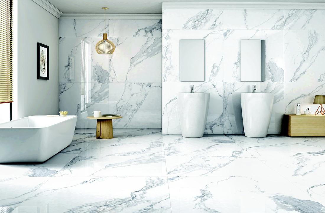 Rivestimenti bagno moderni idee immagini e tendenze - Rivestimento bagno bianco ...