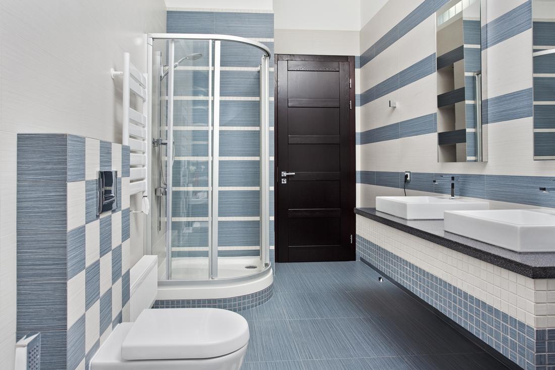 Quanto costa un box doccia semicircolare prezzi e - Quanto costa fare un bagno ...