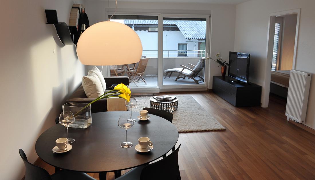 Come arredare un soggiorno piccolo e quanto costa for Quanto costruire un piccolo garage