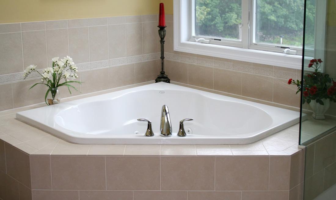 Quanto costa una vasca da bagno in muratura prezzi e consigli - Costo vasca da bagno ...