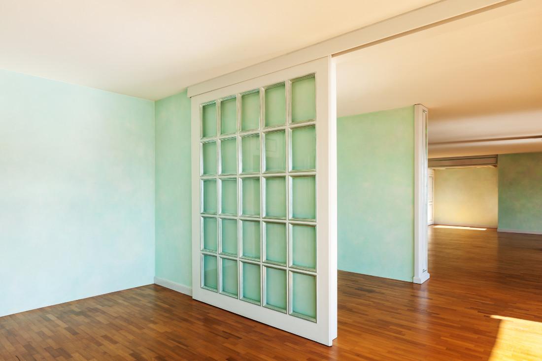 Porte scorrevoli esterno muro in vetro e in legno prezzi for Porte scorrevoli in vetro prezzi