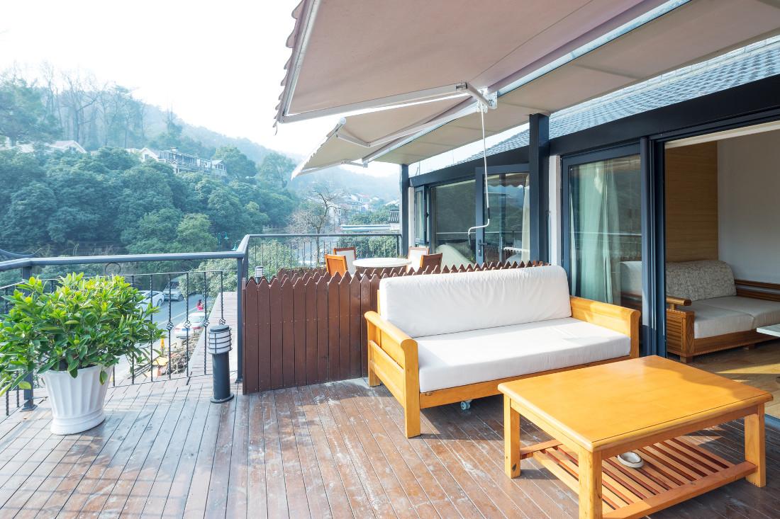 Verande in alluminio per balconi e terrazzi prezzi e for Balconi e terrazzi