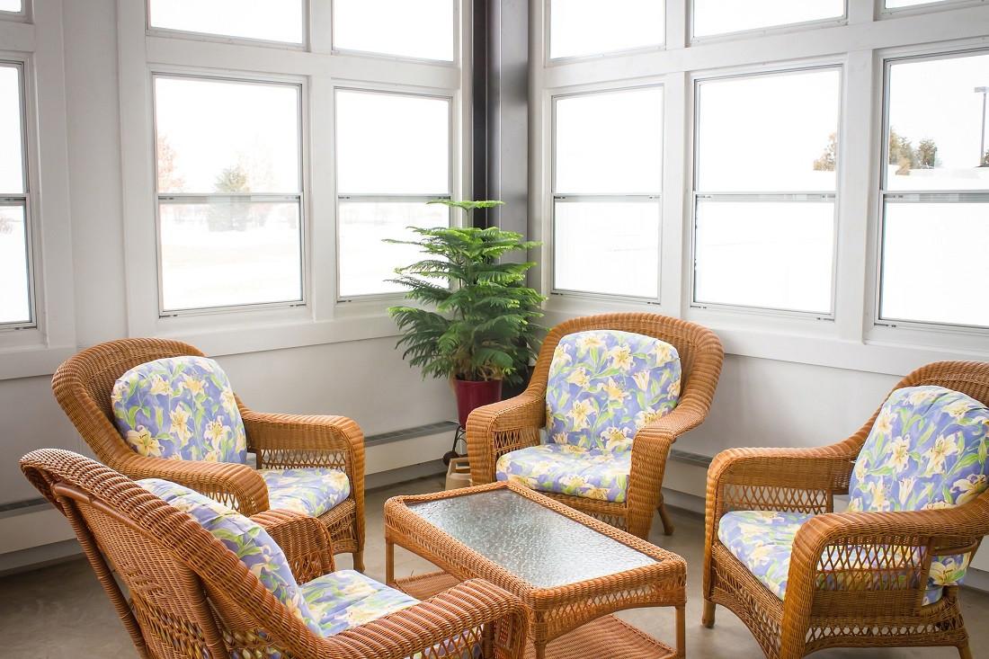 Veranda in muratura e legno vetro o alluminio costi e for Proiettato in veranda con camino