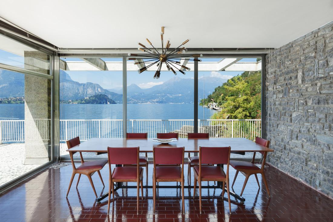 Verande in vetro prefabbricate per balconi e terrazzi for Case prefabbricate in acciaio e vetro