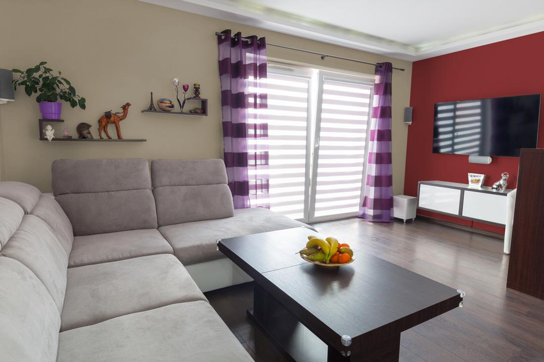 Pareti colorate tinte abbinamenti e consigli for Immagini pareti colorate soggiorno