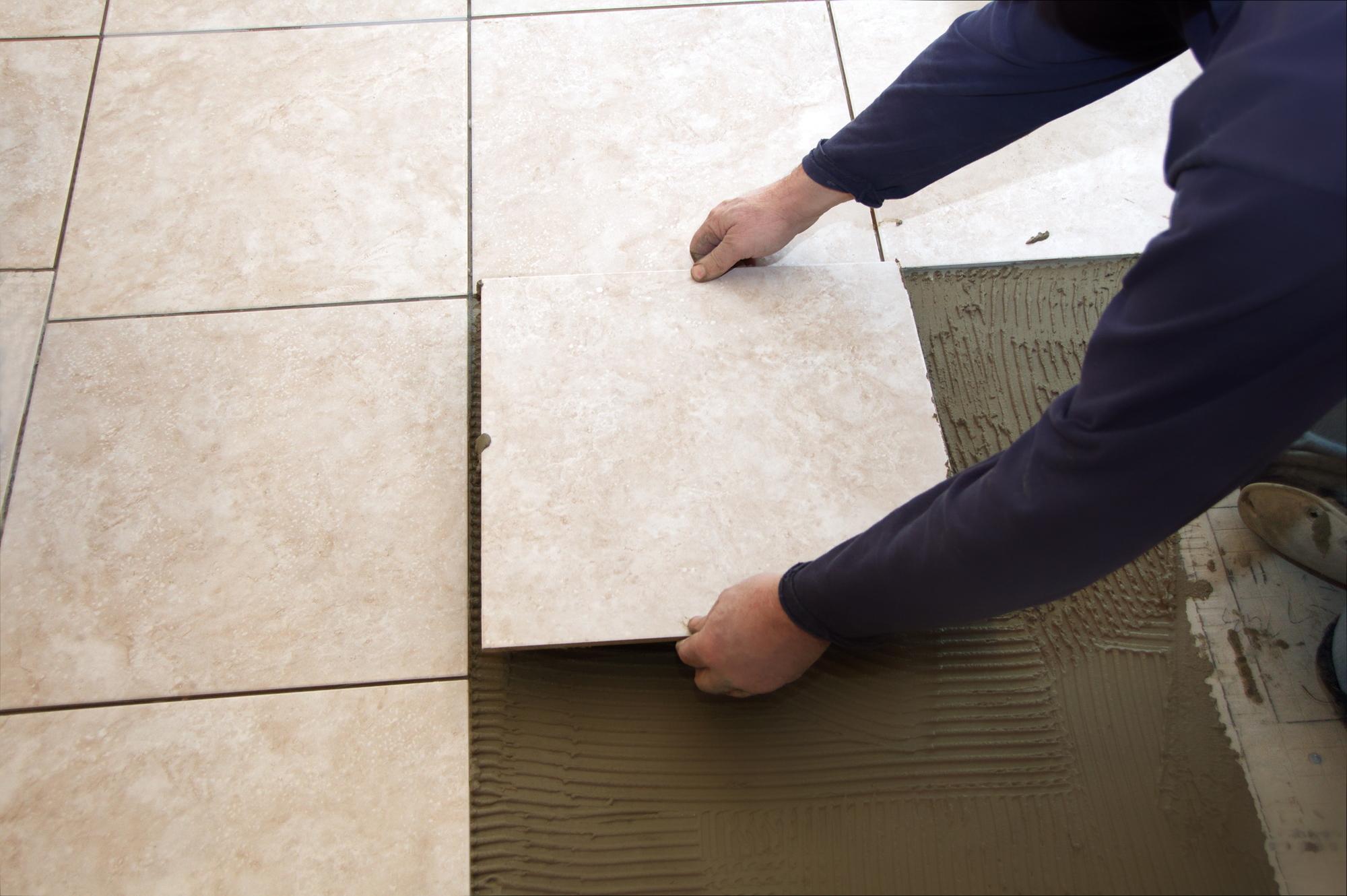 Posa Pavimento A Secco Giardino posa delle piastrelle - prezzi, tecniche e consigli