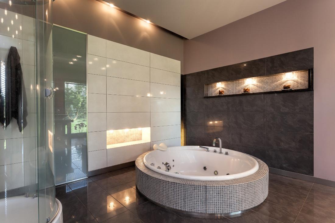 Vasca rotonda prezzi costi di posa caratteristiche for Grandi bagni padronali