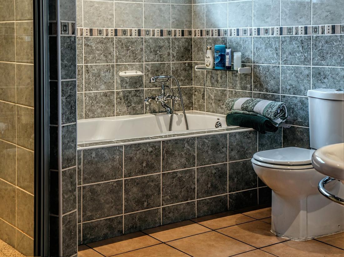 Vasca Da Bagno Incasso Sottopiano : Vasche da bagno prezzi costi di posa e agevolazioni fiscali