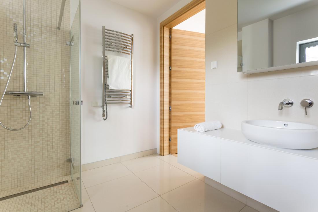 Scaldasalviette e termoarredo bagno prezzi e consigli for Termosifoni per bagno prezzi