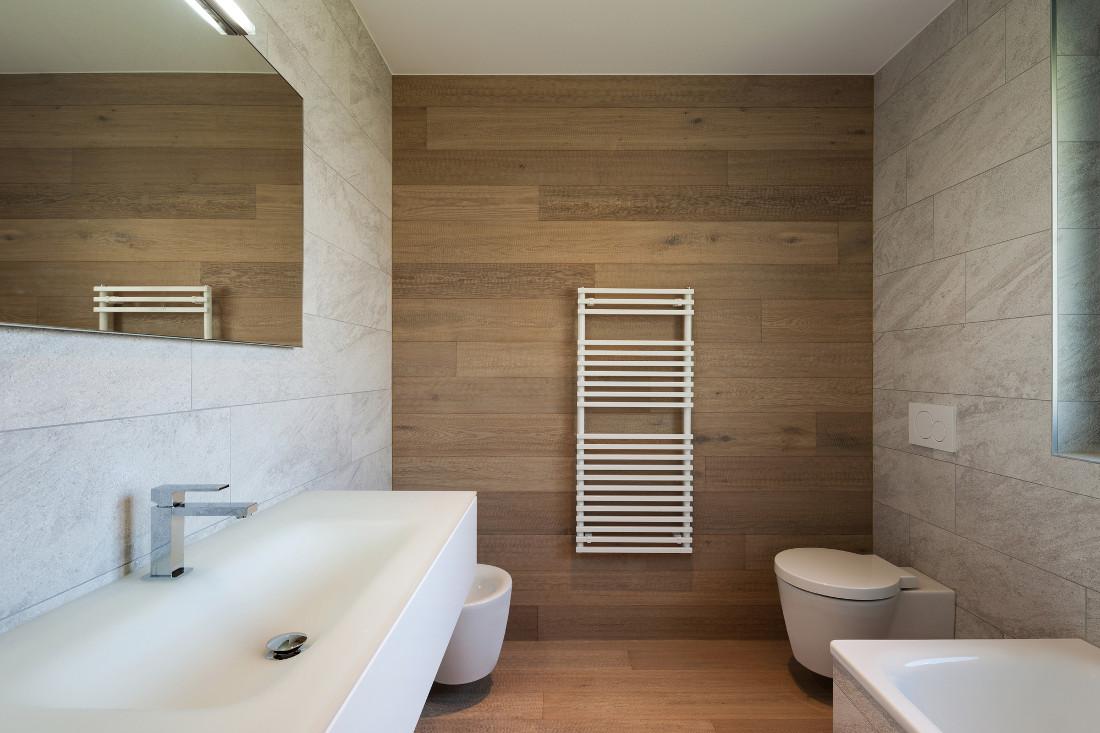 Termosifoni per il bagno prezzi costi di posa e - Costi per ristrutturare un bagno ...