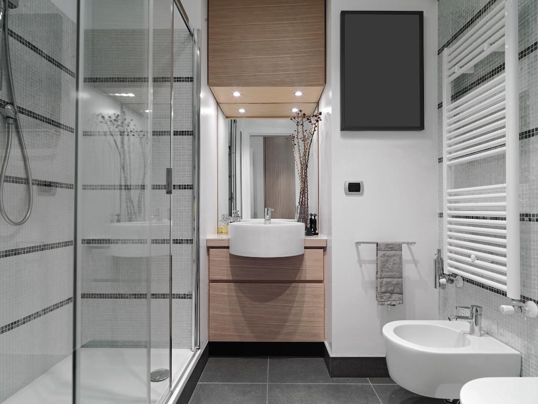 Termoarredo bagno prezzi costi di installazione - Scaldare il bagno elettricamente ...