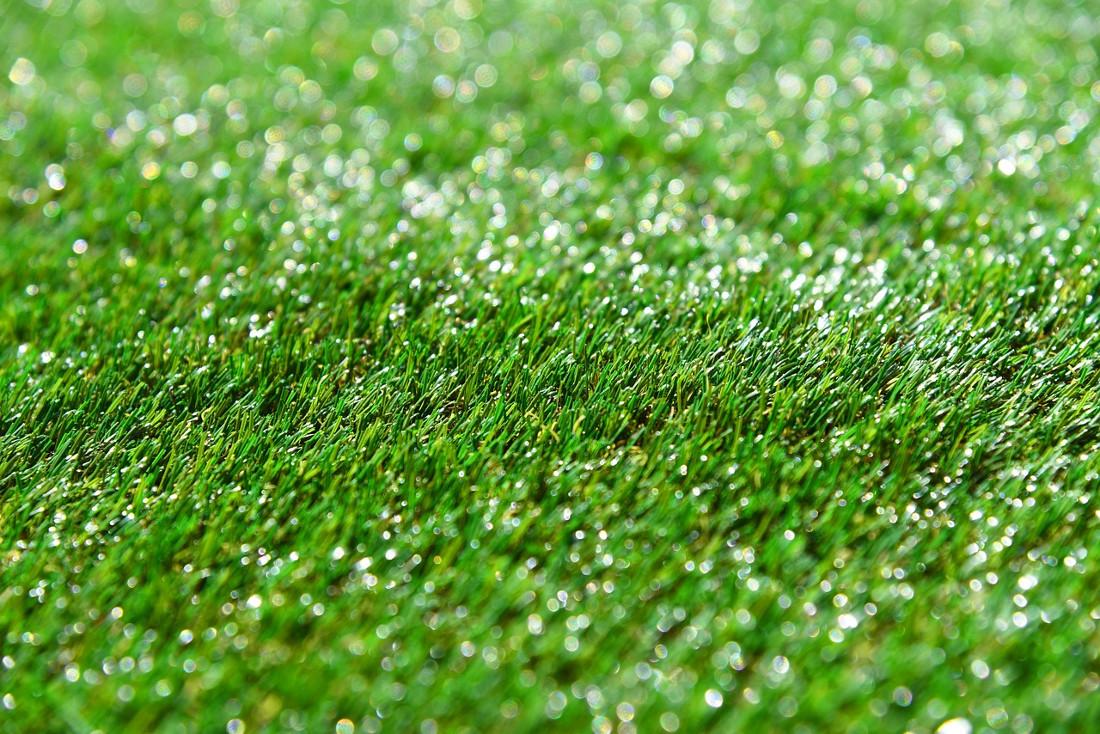 Realizzare Prato Su Cemento erba sintetica - prezzi, costo di posa, opinioni | tirichiamo.it