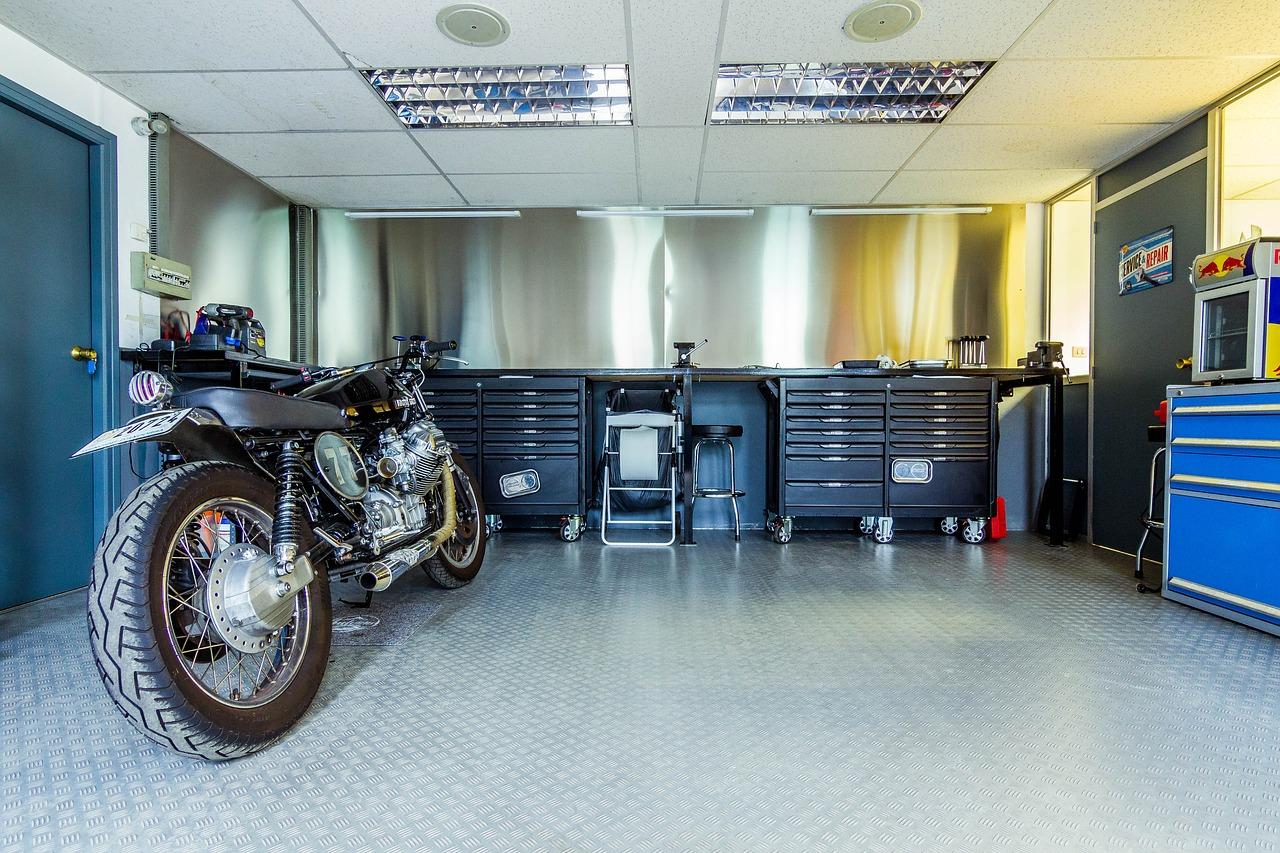 Soppalco per garage e box auto prezzi normativa e for Due progetti di garage per auto